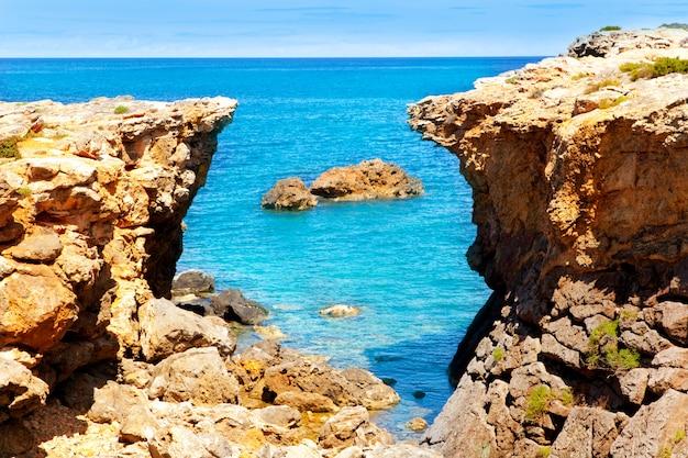 Остров ибица пляж кан-д-марти поу-де-лео