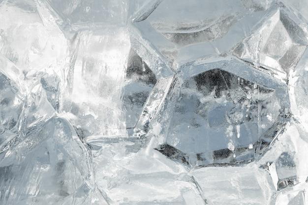 얼음 배경. 얼음 표면의 질감. 얼음의 얼어 붙은 배경. 추상 얼음 배경입니다.