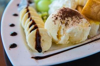 アイスクリームデザート