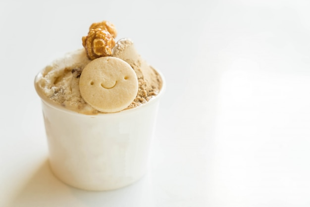 Ice-cream with cookies and popcorn