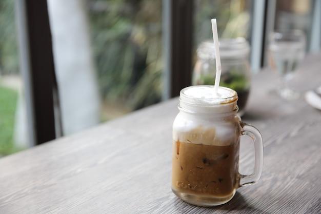 Ледяной латте кофе