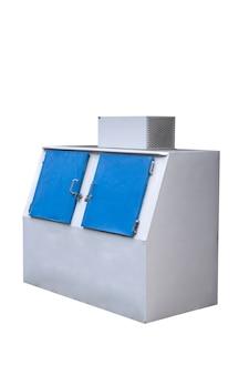 Морозильная камера для хранения льда, изолированные на белом фоне