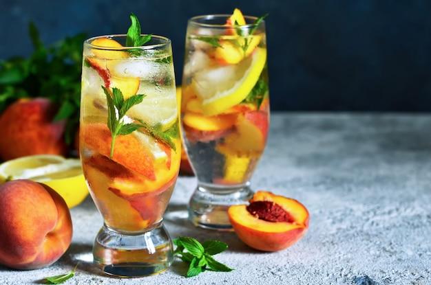 Ice tea with peach and lemon