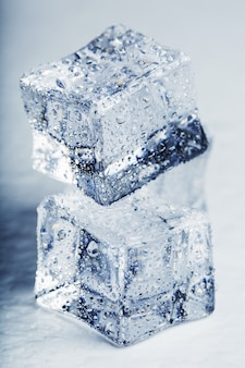 メルトウォータードロップと氷