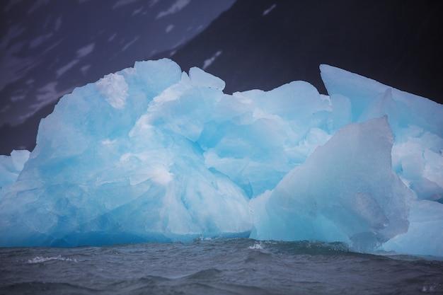 Айсберг на аляске