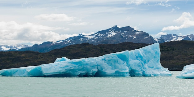 Icebergs in lake, lake argentino, los glaciares national park, santa cruz province, patagonia, argen