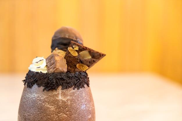 아이스 초콜릿 밀크 쉐이크 스무디