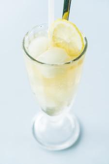 Iced lemon juice