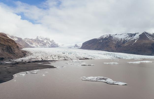 アイスランドの氷河空撮