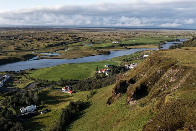Paesaggio islandese di bellissime pianure
