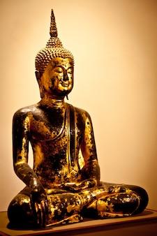 古典的な仏像の象徴的なイメージ