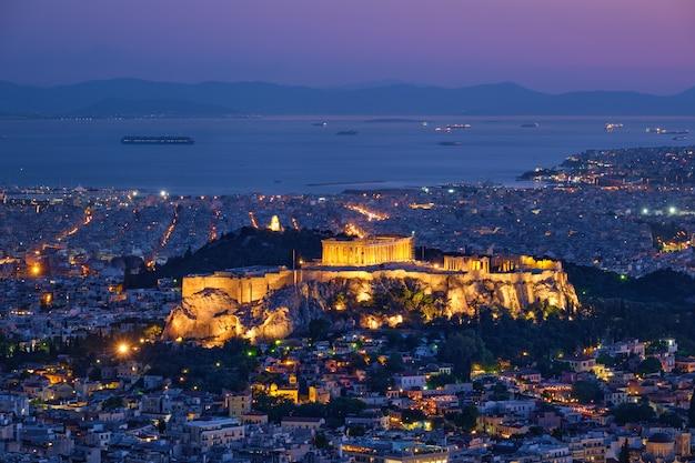 ギリシャ、アテネのアクロポリスにある象徴的なパルテノン神殿