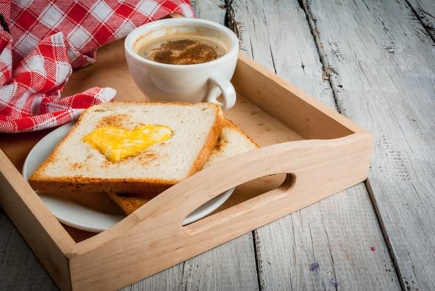 Идея на день святого валентина: завтрак