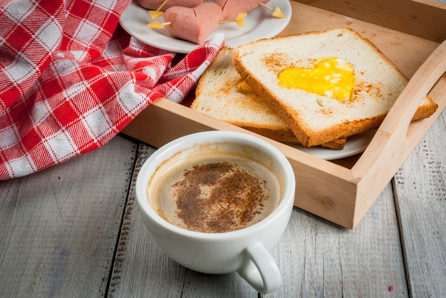 Идея для дня святого валентина, романтический завтрак