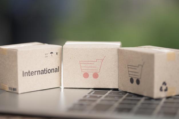 Idea international shipping and service / e-commerce concept