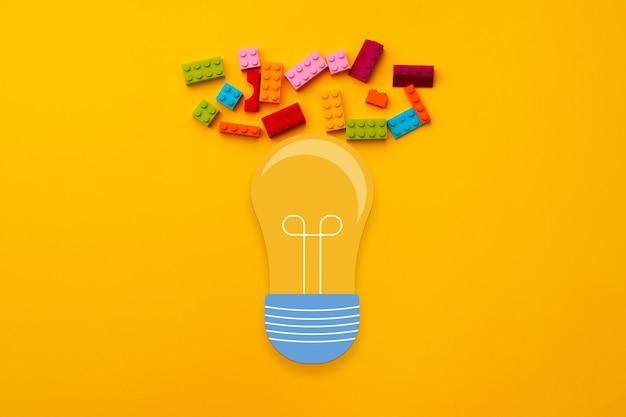 전구 및 장난감 생성자 세부 정보와 아이디어 개념