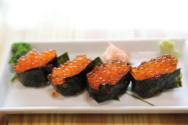 イクラ寿司、海苔入りイクラキャビア、日本食