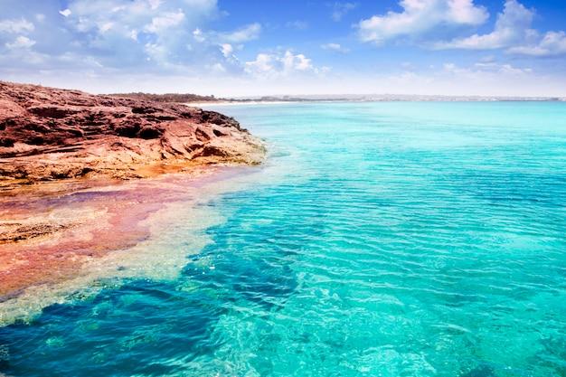 フォルメンテラ島illetes島ターコイズブルーの熱帯の海