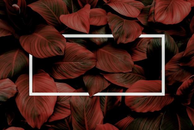 Иллюстрация большого темно-красного листа с мягким неоновым светом прямоугольная красная водная светодиодная рамка