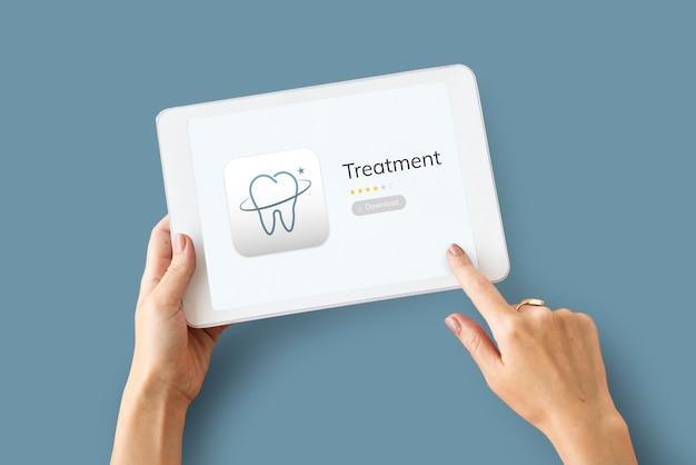 デジタルタブレットでの歯科治療アプリケーションのイラスト