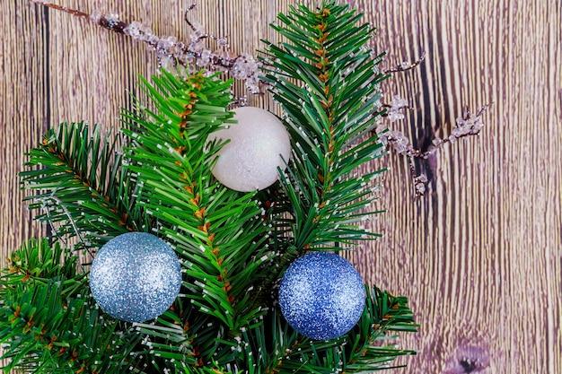 Изображение елочных игрушек крупным планом новогодние елочные игрушки