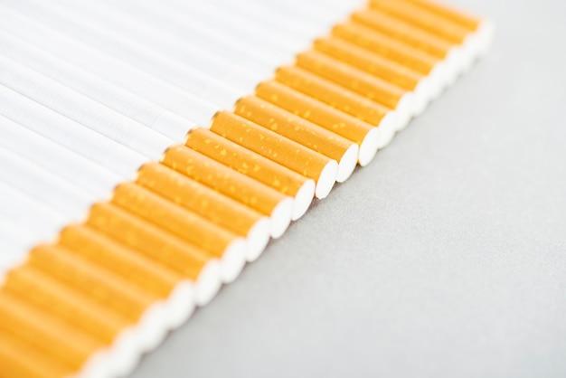 いくつかの産業用タバコの画像