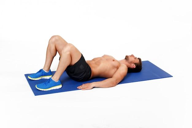 젊은, 적합, 남자, 운동 선수가 복근 운동을하는 이미지