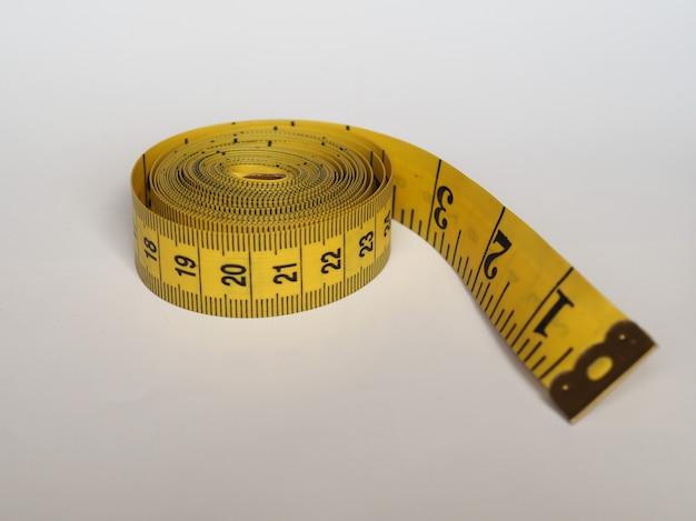 インペリアルおよびメートル法の巻尺