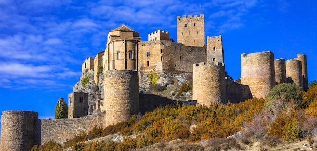 Впечатляющий средневековый замок лоарре