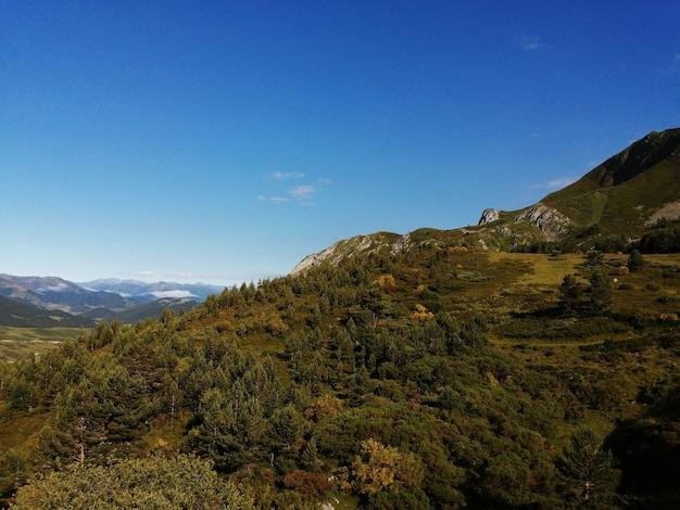 山の印象的な景色