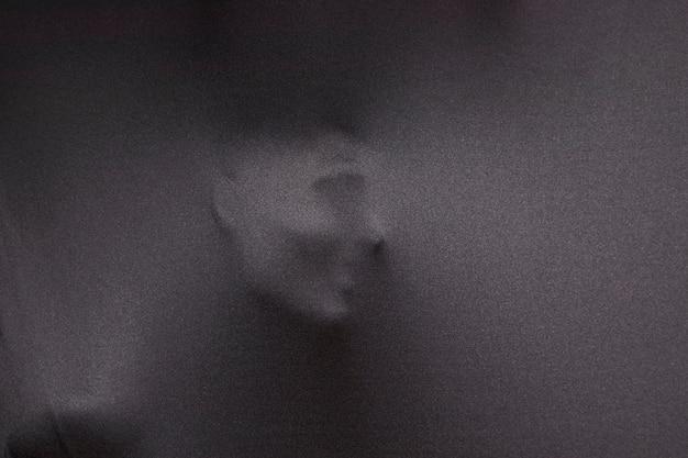 人間の顔の跡