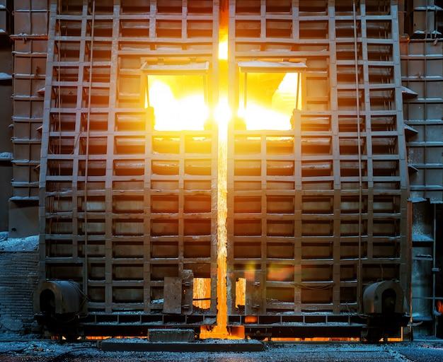 В производстве сталелитейных заводов