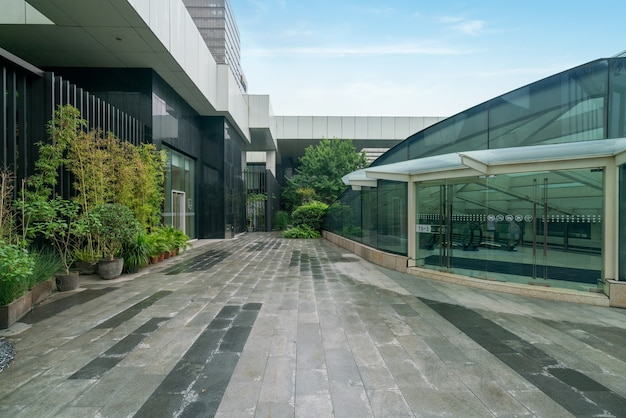 Inancial center plaza and office building