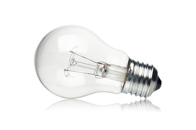 Лампа накаливания, изолированные на белом.
