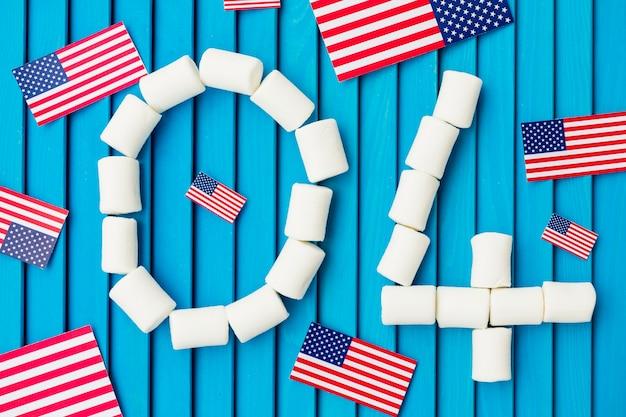 Composizione del giorno dell'indipendenza con il numero 04