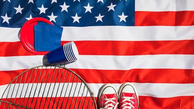 Composizione del giorno dell'indipendenza con vari elementi