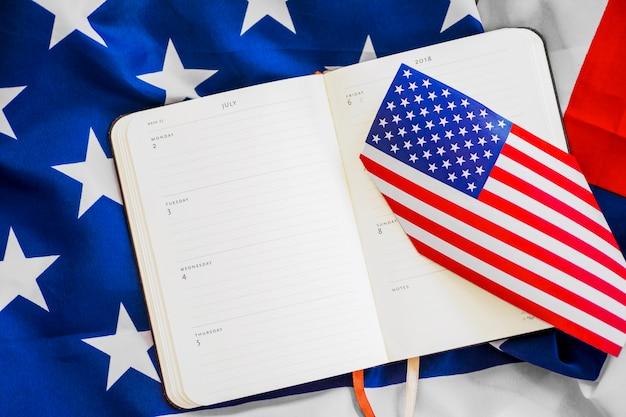 Composizione giorno dell'indipendenza con pianificatore settimanale