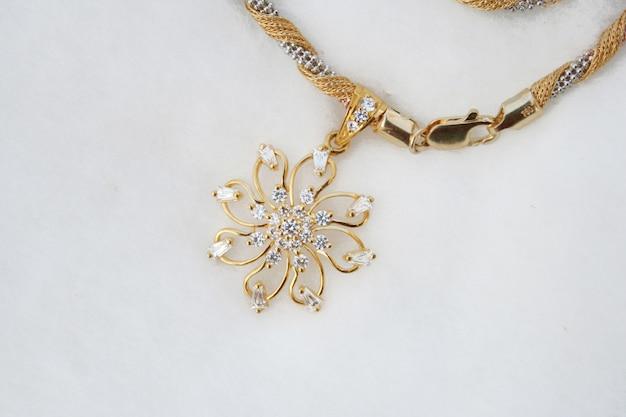 Индийское старинное золотое ожерелье