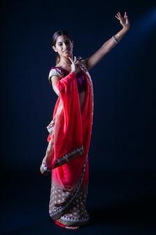 インド舞踊運動