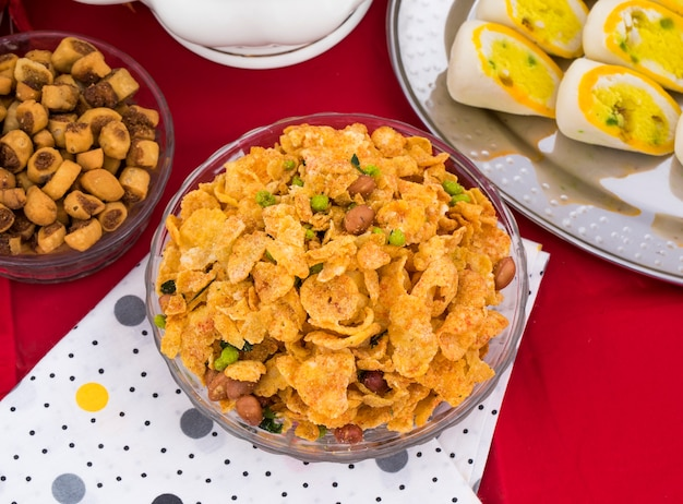 Indian deep fried salty dish namkeen