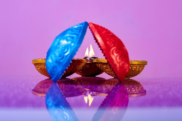 Индийский фестиваль дивали, лампа дивали