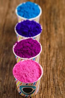 Индийский фестиваль холи, цвета в чашке