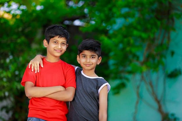 Индийские маленькие дети