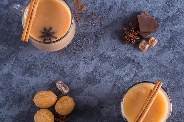 インドのマサラティー冬のホットドリンクココア