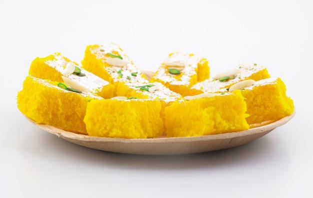 Indian popular sweet food khopara pak