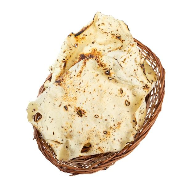 Индийская закуска жареный папад на белом