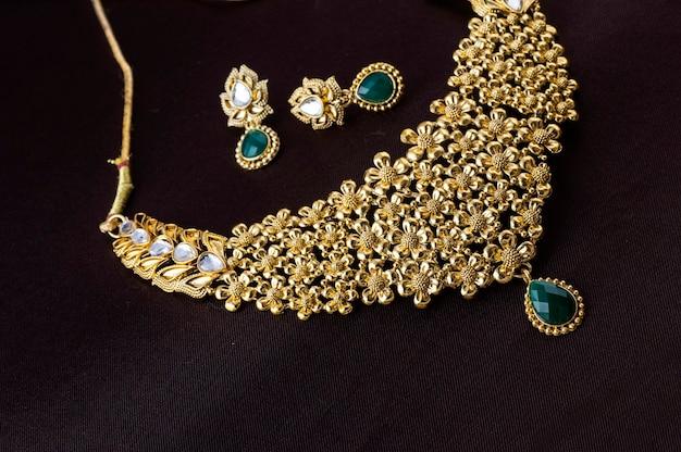 インドの伝統的なジュエリー