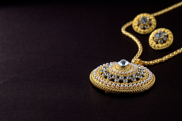 Индийские традиционные украшения