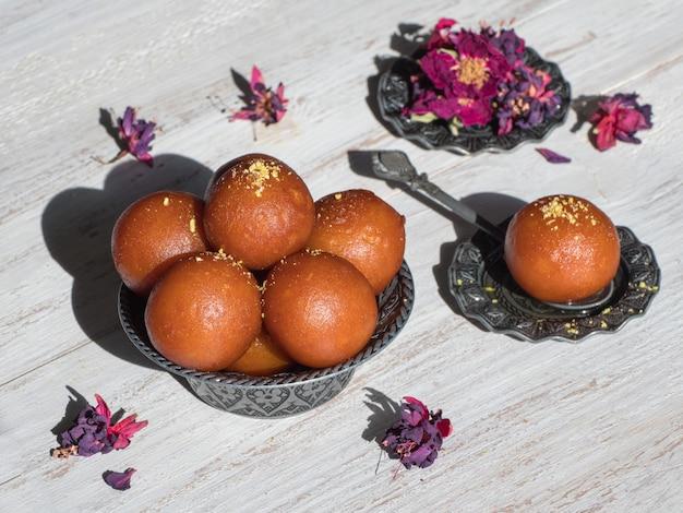 インドの伝統的な甘いgulab jamun、クローズアップ