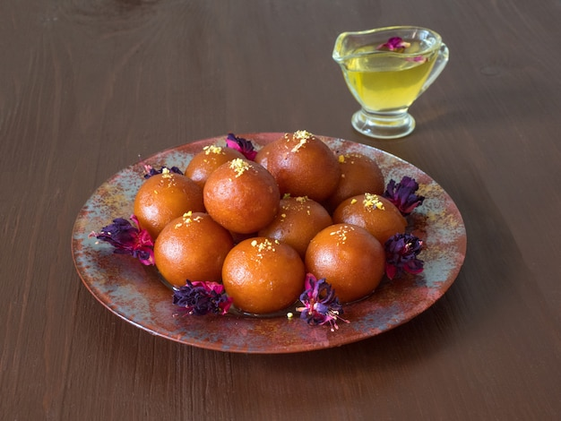 インドの伝統的な甘いgulab jamun